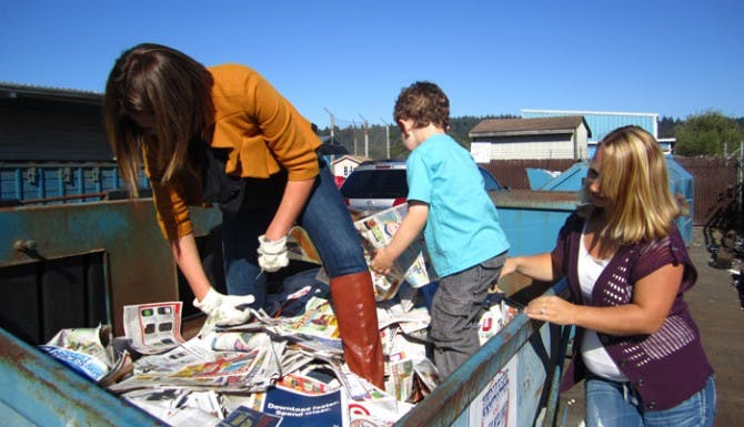Dumpster Diving for Coupons on Extreme Couponing Show