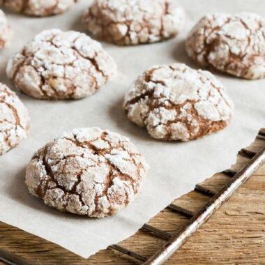 Chocolate Crinkle Cookies (1)