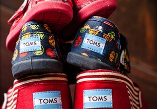 Zulily: Toms Shoes Starting at $18.99 – Up to 35% Off!!