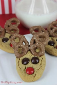 Peanut Butter Pretzel Reindeer Cookies Recipe – Fun and Easy Christmas Recipe!