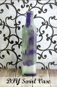 DIY Swirl Vase – A Pretty Homemade Gift Idea