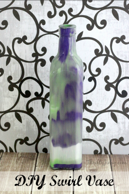 DIY Swirl Vase – A Pretty Homemade Gift Idea