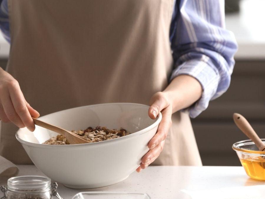 Making Pumpkin Pie granola