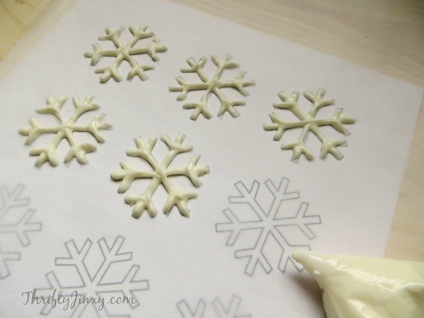 Making Cake Toppers With Royal Icing