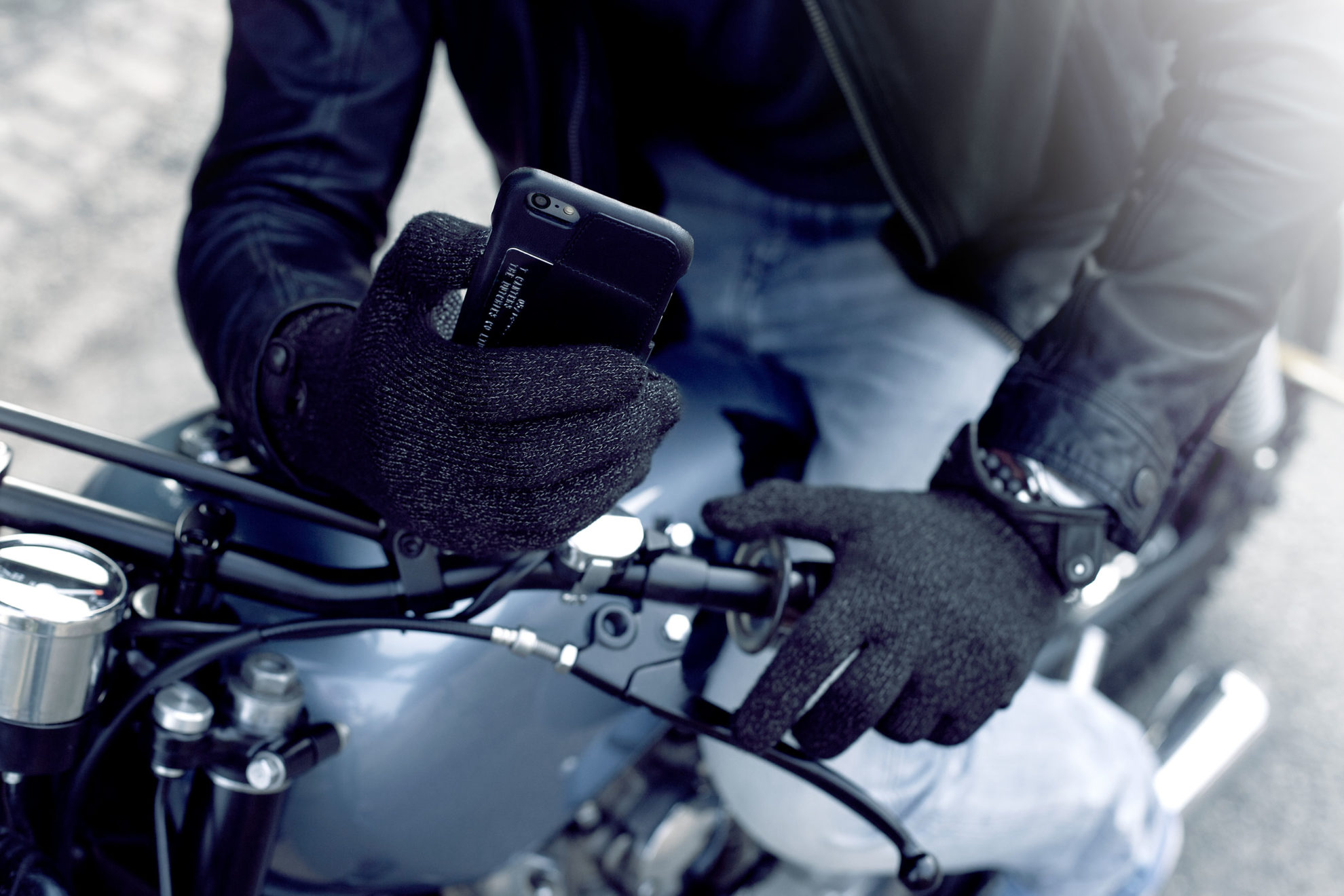 Holiday Gift Guide: Refined Touchscreen Gloves