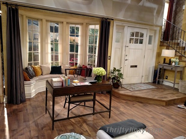 Melissa and Joey Living Room