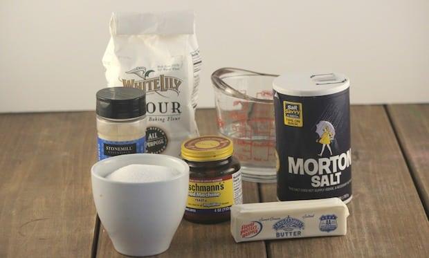 Copycat Olive Garden Breadstick Recipe Ingredients