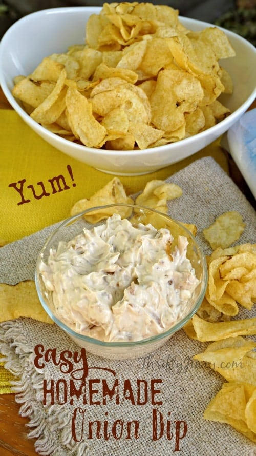 This easy homemade onion dip recipe tastes SO MUCH BETTER than dip made with packets of onion soup mix! It's also made with Greek yogurt which is a healthier choice AND makes it nice and creamy. #oniondip #diprecipe #snacks #onion