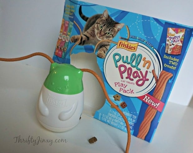 Friskies Pull 'n Play Combo Pack Wobbert
