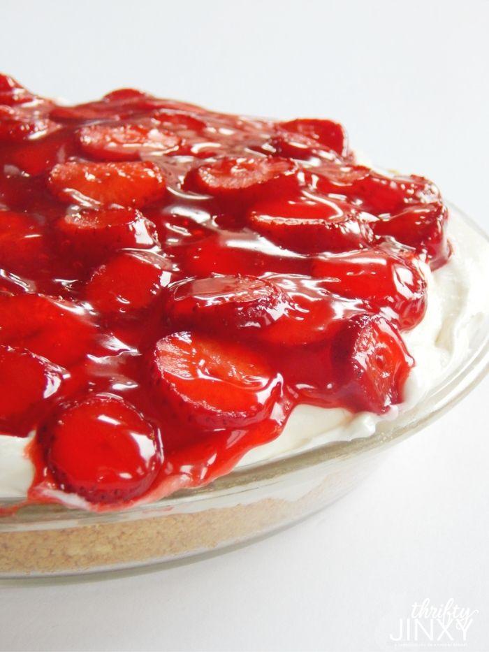 Easy Strawberry Cheesecake Pie