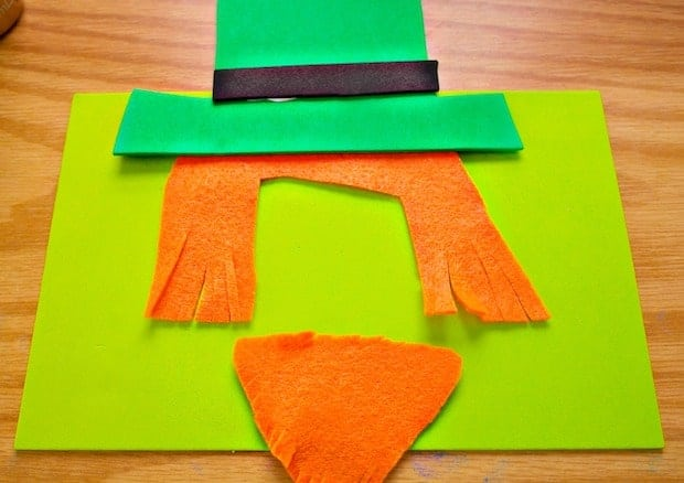 Leprechaun Photo Magnet St. Patrick's Day Craft Process 2