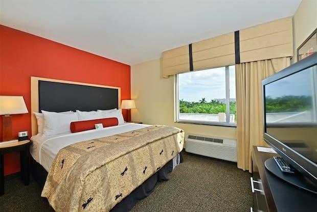 Cambria Hotel Suites Fort Lauderdale