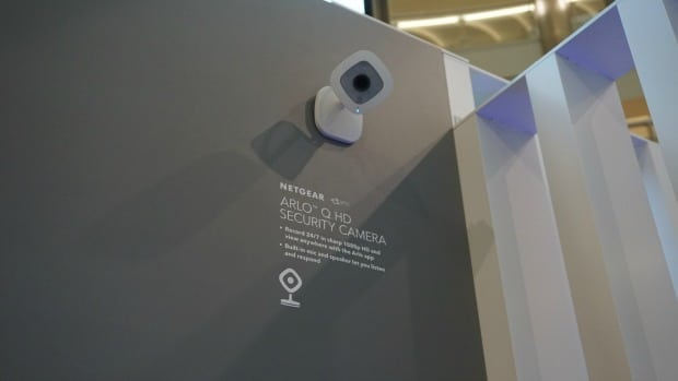 NETGEAR - Arlo Q Wi-Fi HD Security Camera