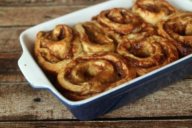 Yummy Apple Pie Cinnamon Rolls Recipe