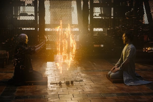Marvel's DOCTOR STRANGE..L to R: The Ancient One (Tilda Swinton) and Doctor Stephen Strange (Benedict Cumberbatch)..Photo Credit: Jay Maidment..©2016 Marvel. All Rights Reserved.