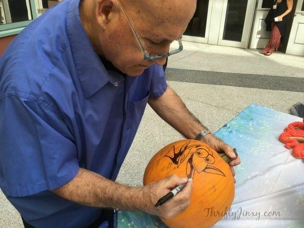 master-pumpkin-carver-joseph-yakovetic