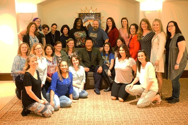 benedict-wong-doctor-strange-bloggers-group-photo
