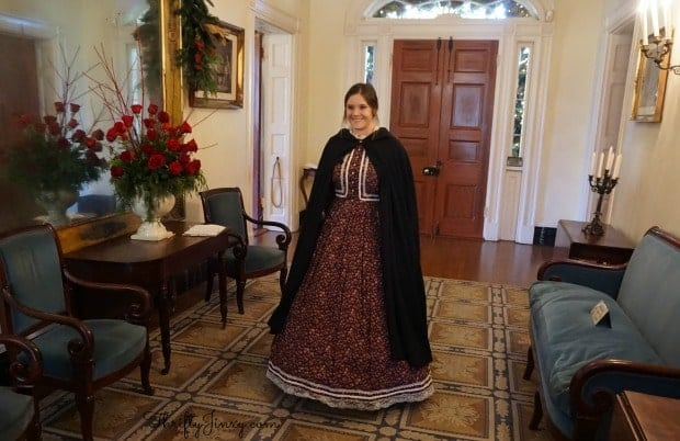 christmas-oak-alley-plantation