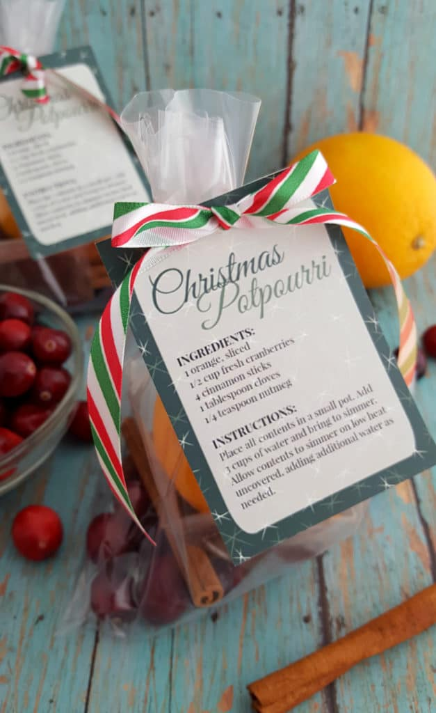 DIY Christmas Potpourri in cellophane bag with gift label
