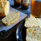Super Easy Cheddar Beer Bread Recipe – Super GOOD Too!