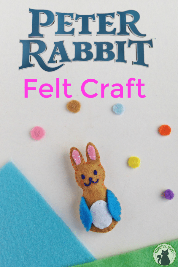 This Peter Rabbit felt craft is perfect for Easter! Add a plastic clasp and kids can make a fun backpack clip! #Easter #PeterRabbit