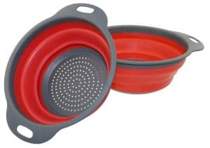 Save Space with This Collapsible Colander 2-Pack – Just $7.98!