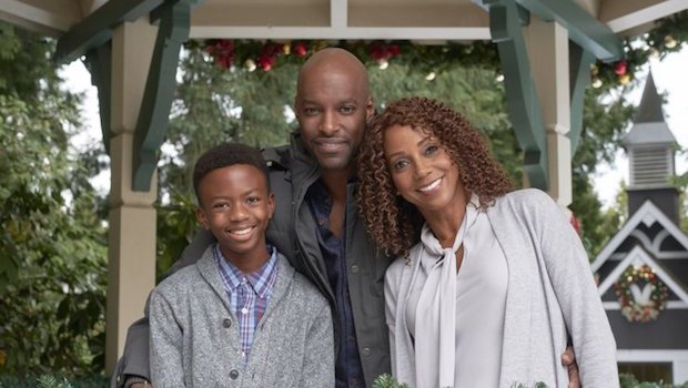 Christmas In Evergreen Holly Robinson Peete