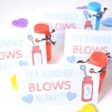 "Bubbles Classroom Valentines ""Your Friendship Blows Me Away"" with Free Printable"
