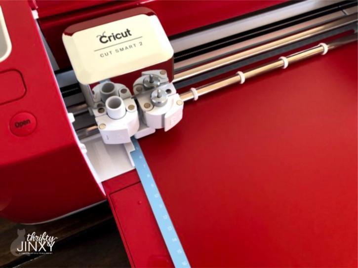 Cutting Vinyl in Cricut