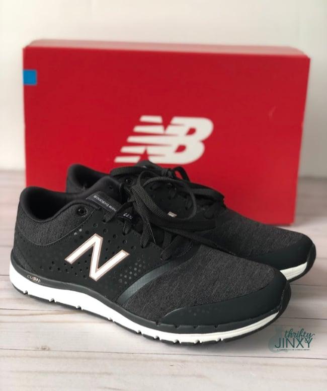 INew Balance Women's 577v4 Cross Training Shoes