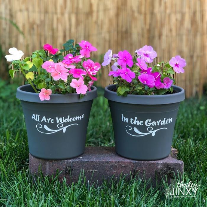 Garden Welcome Flower Pots