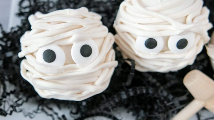 breakable mummy candy treat