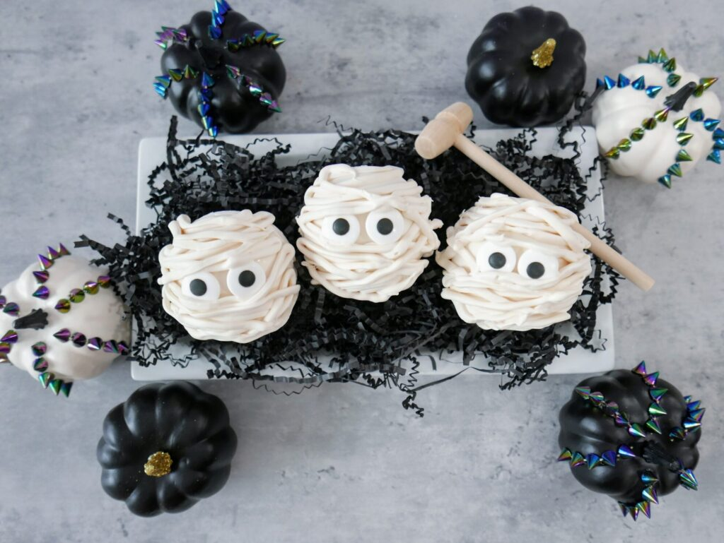 breakable mummy dessert